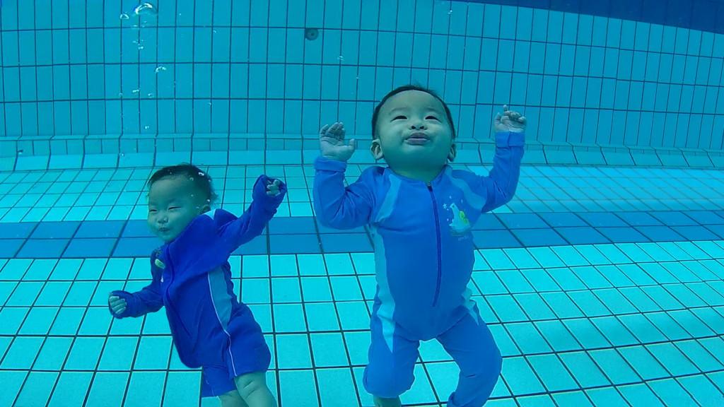 twin babies Josch Forbes & Joschika Faustine