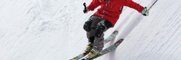 Essential Ski Gear to Enjoy Your Skiing Adventure to the Fullest